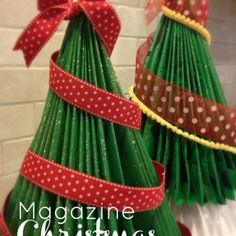 How to Make a Magazine Christmas Tree {Christmas DIY Decor} Looking for a way to recycle all those magazines and catalogs you get in the mail? Christmas Tree Themes, Xmas Tree, All Things Christmas, Christmas Holidays, Christmas Ornaments, Christmas Cookies, Merry Christmas, Old Magazine Crafts, Navidad Diy