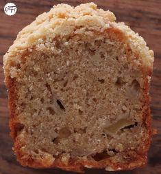 Le crumble cake poire/amaretto de Yotam Ottolenghi - C'est Ma Fournée - TOP pour un petit moule à cake diviser la recette en 2 avec 1 oeuf entier + 1 jaune + 1 blanc + 75g de sucre + 70g d'huile neutre - Au four à 160°C pendant 55 min.