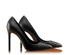 Gucci - Every woman needs a pair of black shoes