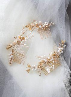 Shimmer in Gold | Gold bridal combs for bride Katherine