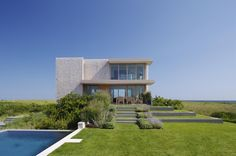 Dune Road Residence by Stelle Lomont Rouhani #Architects | Francesca Giovanelli, Kay Wettstein von Westersheimb