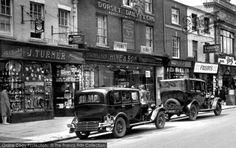 Bridport, East Street 1930. #vintagecars #vintagemotoring