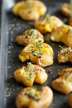 Garlic Smashed Potatoes - These potatoes are incredibly tender on the inside yet amazingly crisp on the outside!