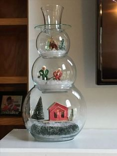 Snowman Snow Globe You are in the right place about DIY Fairy Garden base Here we offer you the most beautiful pictures about the DIY Fairy Garden bridge you are looking for. Snowman Christmas Decorations, Snowman Crafts, Christmas Centerpieces, Christmas Snowman, Diy Christmas Gifts, Christmas Projects, Simple Christmas, Holiday Crafts, Christmas Wreaths