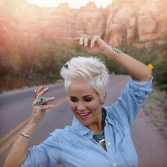 You can wear turquoise and silver anytime. I'm so happy to share with you some incredible prices on beautiful turquoise jewelry! Short Silver Hair, Short Grey Hair, Short Hair Cuts, Short Hair Styles, Short Hair Over 50, Short Hairstyles Over 50, Pixie Hairstyles, Pixie Haircut, Pretty Hairstyles