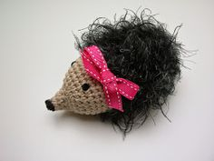 MyUpperPenthouse: Frk. Smilla - hæklet pindsvin (dansk opskrift)