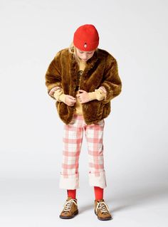 Los abrigos de piel para niñas más fashion de este invierno 2017 #abrigosdepiel #furcoats #girlsfurcoats #furjackets #girlsfurjackets #winter2017 #girlsclothes #kidsfashion #modainfantil #modaparaniñas #abrigosparaniñas #niñas #invierno2017 Image from @Theanimalsobservatory