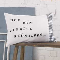 Nur ein viertel Stündchen: Kissenhülle. Memory Pillows, Sweet Pic, Textiles, Motivation Inspiration, Diy Gifts, Ideal Home, Bed Pillows, Sweet Home, Cool Stuff