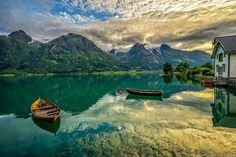 Hjelle i Oppstryn er det også vel verdt å dra innom. :)  Foto: Richard Larssen