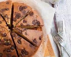 Gâteau au yaourt à la vanille et pépites de chocolat : http://www.cuisineaz.com/recettes/gateau-au-yaourt-a-la-vanille-et-pepites-de-chocolat-33859.aspx