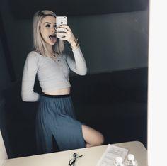 Amanda Steele. I loveeee her outfit here