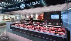 Especialistas en diseño de carnicerías e interiorismo comercial. Realizamos el diseño de tiendas según las necesidades del cliente. Carnicerías modernas. Steak Shop, Protein Shop, Meat Store, Wholesale Food, Supermarket Design, Meat Markets, Food Retail, Butcher Shop, Food Court