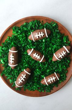 23 Cute Football Snacks For Your Super Bowl Party: Nutella Chocolate Football Truffles