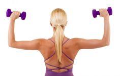 4 cviky, vďaka ktorým sa zaručene zbavíte tukov na chrbte, záhyby okolo podprsenky zmiznú sakramentsky rýchlo!