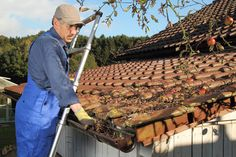 Meta description: The cost of roof gutter cleaning varies depending on the nature of work and your location.Hire a gutter cleaner now to keep your roof in good condition. Gutter Cleaning Prices, Rain Gutter Cleaning, Roof Cleaning, Cleaning Hacks, Roof Restoration, How To Install Gutters, Wet Spot, Real Estate Articles, Roof Installation