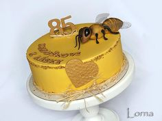 {Nice attention to details on this Bee} Cake for Beekeeper - Cake by Lorna Fondant Butterfly, Bee Cakes, Honey Cake, Pastel, Bee Keeping, Gum Paste, Cake Decorating, Wedding Cakes, Birthday Cake
