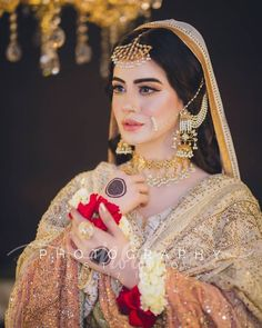 Pakistani Bridal Jewelry, Bridal Mehndi Dresses, Pakistani Wedding Outfits, Bridal Dress Design, Indian Bridal Fashion, Pakistani Wedding Dresses, Bridal Outfits, Bridal Jewellery, Indian Outfits