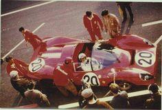 Chris Amon a Le Mans 1967 durante le prove, P3/4 ch. 0846 #20, SEFAC Ferrari, Chris Amon - Nino Vaccarella