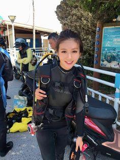 Scuba Wetsuit, Diving Wetsuits, Scuba Diving Gear, Diving Suit, David Beckham Suit, Diving Lessons, Triathlon Wetsuit, Gymnastics Photos, Womens Wetsuit