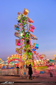 South-Florida-Fair-Popular-Fair-Ride by CaptainKimo on DeviantArt Summer Aesthetic, Retro Aesthetic, Summer Fun, Summer Time, South Florida Fair, Art Du Cirque, Fair Rides, Amusement Park Rides, Carnival Rides