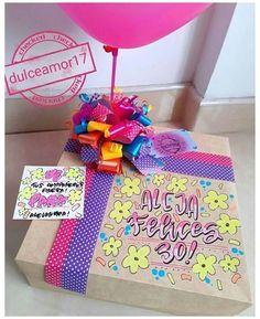 Diy Gift Box, Diy Gifts, Birthday Box, Birthday Gifts, Diy Christmas Angel Ornaments, Balloon Box, Christmas Flower Arrangements, Diy And Crafts, Paper Crafts