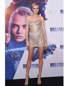 Cara Delevingne reveals she modelled to 'run away' from her problems She's the former Victoria's Secret model, actress and author. And on Sunday, Cara Delevingne opened about her transition from modelling to acting. Speaking to Stellar Poppy Delevingne, Cara Delevingne Valerian, Delevigne Cara, Cara Delevingne Photoshoot, Cara Delevingne Style, Glamour, Victorias Secret Models, Victoria Secret, Look Fashion