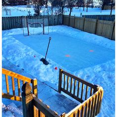 13 Backyard Rinks That Will Give You The Chills Backyard Hockey Rink, Backyard Ice Rink, Outdoor Rink, Backyard Play, Outdoor Decor, Natural Play Spaces, Skating Rink, Day Off, Build Your Own