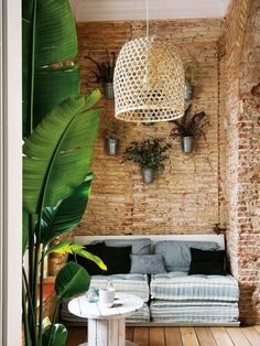 Reformas Barcelona pisos lujo barcelona Ladrillo visto pintado de blanco en Barcelona estilo nórdico escandinavo estilo nórdico barcelona diseño…