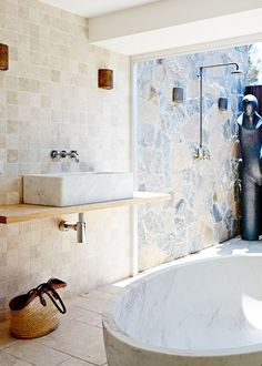 33 outdoor shower ideas for an exhilarating fresh-air shower. See inspiring photos of outdoor bathing fixtures and enclosures. Spring and Summer is the ideal warm weather to build or take an outdoor shower! For more bathroom ideas go to Domino. Bathroom Inspiration, Interior Design Inspiration, Bathroom Ideas, Design Ideas, Home Design, Indoor Outdoor Bathroom, Outdoor Showers, Stone Bathroom, Laundry In Bathroom