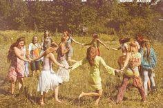 aesthetic New Ideas For Fashion Hippie Woodstock Hair Hippie Style, Looks Hippie, Hippie Man, Hippie Love, Boho Hippie, Hippie Peace, Hippie Couple, 1970s Hippie, Hippie Chick