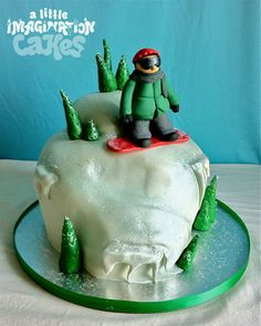 Snowboarding Cake with gumpaste pinetrees and sugar snowflakes Snowboard Cake, Snowboard Design, Snowboard Goggles, Gum Paste, How To Make Cake, Snowboarding, Snowflakes, Imagination, Snowboards