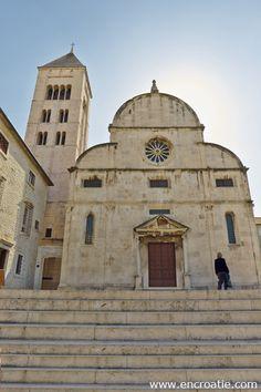 Zadar en Croatie – Location, hôtel, guide voyage, météo, photo et carte Guide, Location, Monuments, Notre Dame, Photos, Building, Travel, Croatia, Construction