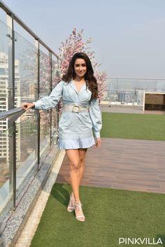Indian Actress Hot Pics, Indian Actresses, Actress Feet, Shraddha Kapoor Cute, Cute Princess, Exotic Beauties, Bollywood Actress, Sraddha Kapoor, Mini Skirts
