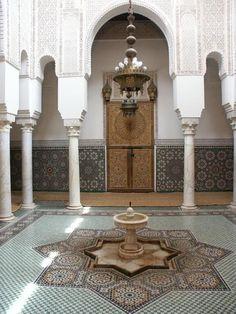 Meknès Maroc intérieure mosque #islamicarchitecture