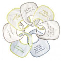 Protégez les vêtements de bébé avec ce lot de 7 bavoirs spécial naissance mixte imprimé en éponge doublée