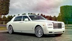 Local Limousine is the finest limo hire transfer provider in Sunderland, they are offering luxury and relaxed travel service. You can call us for limo booking service and more detail
