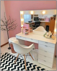 Modern Dresser Design Ideas For Makeup Room To Copy Today Dorm Room Designs, Girl Bedroom Designs, Room Ideas Bedroom, Bedroom Decor, Makeup Room Decor, Makeup Rooms, Cute Room Decor, Glam Room, Aesthetic Room Decor