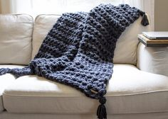 How to Hand Crochet a Chunky Blanket in one Hour