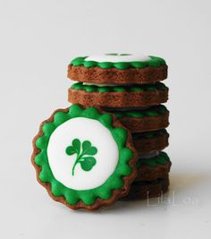 St. Patrick's Day Shamrock Cookies.  Simple & lovely.