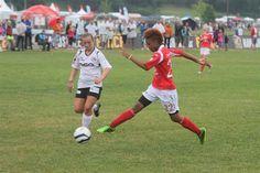 I kvartfinale:  Anya De Courcy scoret i begge kampene da Sunndals juniorjenter tok seg til kvartfinalen i Norway Cup torsdag.