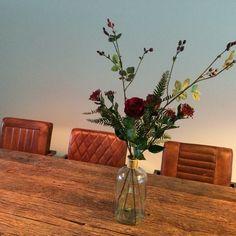 Livingroom. Dining table. Wood. Industrial. Leather chairs. Eettafel. Woonkamer. Houten tafel met cognac lederen stoelen. Design.