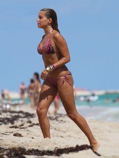 sylvie-van-der-vaart-bikini-1008-16-760x1013.jpg (760×1013)