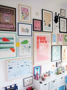 Creative Gallery Walls- Apartment Therapy http://www.apartmenttherapy.com/lulus-beachy-art-filled-room-164614