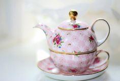 Pimk teapot
