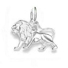 Pandantiv zodiacal din argint 925. Mai multe modele pe www.simoshop.ro/ #argint #swarovski #simoshop Mai, Zodiac, Swarovski, Lion Sculpture, Statue, Horoscope, Sculptures, Sculpture