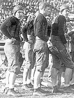 WOW, these guys were though!Alabama Crimson Tide at the 1926 Rose Bowl Crimson Tide Football, Alabama Football, Alabama Crimson Tide, Football Fans, College Football, Bama Fever, Song Of The South, 1920s Men, University Of Alabama