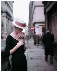 Suzy Parker Hydrangea, For ELLE Spring Collection, Paris 1953 - Photo Georges Dambier