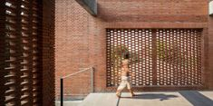 Gallery of Ngamwongwan House / Junsekino Architect And Design - 12