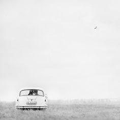 Aparcamiento, por Oleg Oprisco