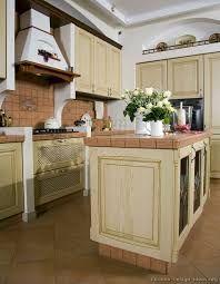 How To Whitewash Kitchen Cabinets: 05 Traditional Whitewash Kitchen U2026